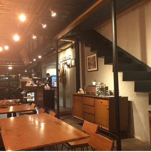 Foto 1 - Interior di Contrast Coffee oleh Anne Yonathan