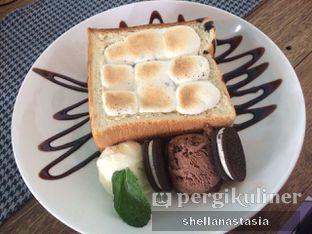 Foto 3 - Makanan(Roti Bakar Marshmallow) di Happiness Kitchen & Coffee oleh Shella Anastasia