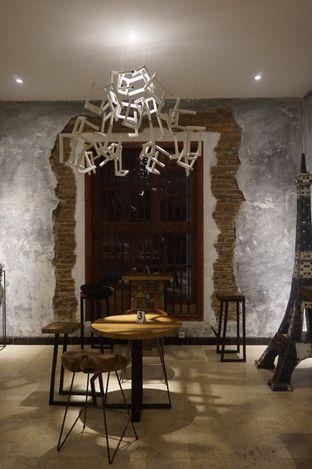 Foto 18 - Interior di Artivator Cafe oleh yudistira ishak abrar