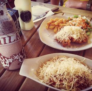 Foto 2 - Makanan di Momo Milk Barn oleh RI 347 | Rihana & Ismail