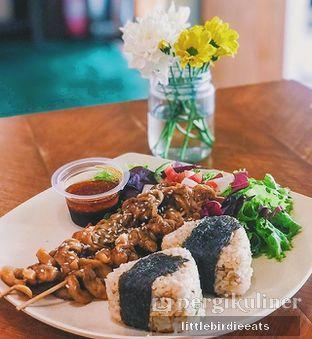 Foto 2 - Makanan(Greeogiri ) di Burgreens Express oleh EATBITESNAP // Tiffany Putri