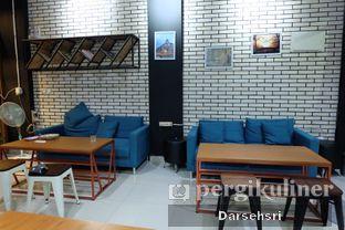 Foto 9 - Interior di Typica Coffee & Zain's Kitchen oleh Darsehsri Handayani