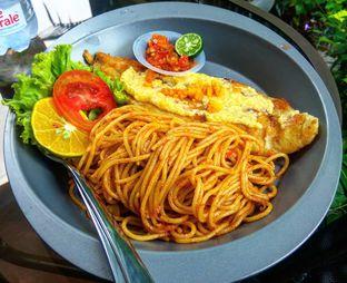Foto 4 - Makanan(Golden Fish Dory and Aglio Olio (IDR 39k) ) di Fish & Cheap oleh Renodaneswara @caesarinodswr