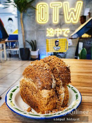 Foto 1 - Makanan(Ropang Nougat Single) di OTW Food Street oleh Saepul Hidayat