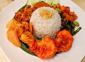 5 Nasi Lemak Jakarta yang Dijamin Gurih dan Nikmat!