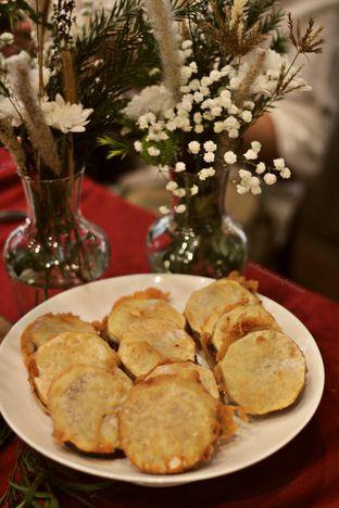 Foto 8 - Makanan di Meradelima Restaurant oleh thehandsofcuisine