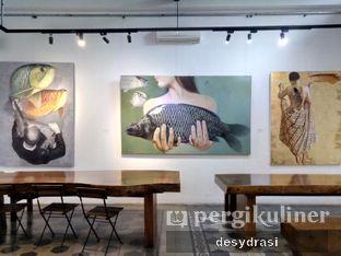 Foto 6 - Interior di Lumiere Bistro & Art Gallery oleh Desy Mustika