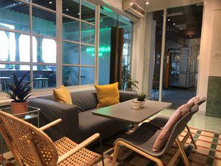 Foto 2 - Interior di Grouphead Coffee oleh Budi Lee