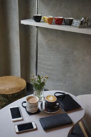 Foto 8 - Interior di Awesome Coffee oleh yudistira ishak abrar