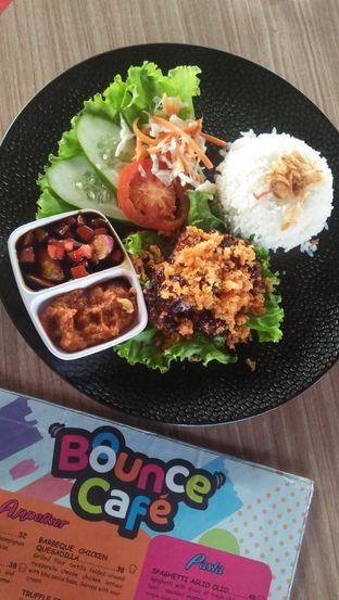 Foto 5 - Makanan di Bounce Cafe oleh Review Dika & Opik (@go2dika)