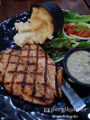 Foto 1 - Makanan di Blacklisted oleh Wiwis Rahardja