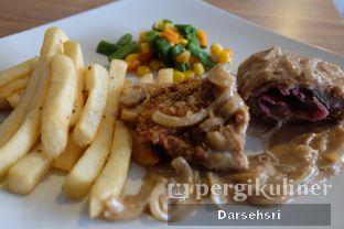 Foto 1 - Makanan di Dian Cafe oleh Darsehsri Handayani
