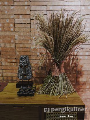 Foto 1 - Interior di Makan Tengah oleh Irene Stefannie @_irenefanderland