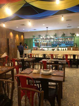 Foto 8 - Interior di Little India Restaurant oleh feedthecat