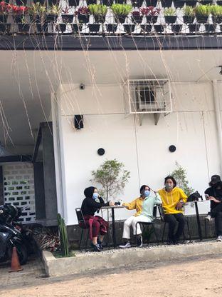 Foto 6 - Eksterior di de.u Coffee oleh Fadhlur Rohman