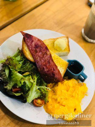 Foto 1 - Makanan(Maple Butter Brioche) di Maple & Oak oleh Sienna Paramitha