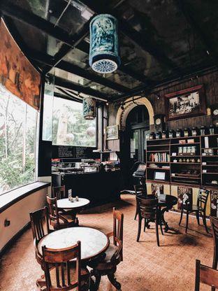 Foto 11 - Interior di Tugu Kunstkring Paleis oleh Angga Tusan