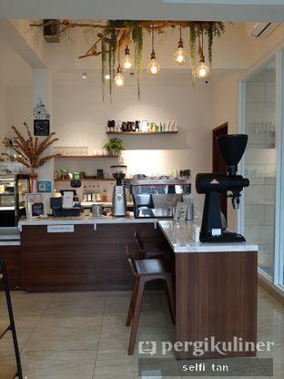 Foto 7 - Interior di Caffeine Suite oleh Selfi Tan