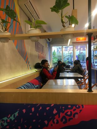 Foto 8 - Interior di Flip Burger oleh Fadhlur Rohman