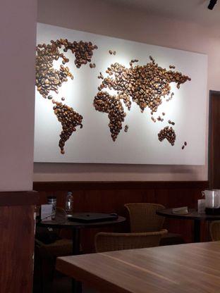 Foto 4 - Interior di Macroni Tei Coffee oleh Ken @bigtummy_culinary