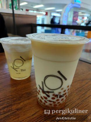 Foto 1 - Makanan(Oolong Tea Latte w/ Golden Bubble) di KOI The oleh JC Wen