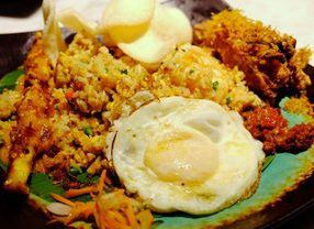 7 Street Food Alias Makanan Jalanan Indonesia yang Paling Maknyus