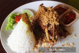 Foto 15 - Makanan(Nasi putih Bebek Kremes Dada) di Pondok Suryo Begor oleh UrsAndNic