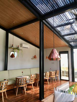 Foto 8 - Interior di Kode-in Coffee & Eatery oleh Prido ZH