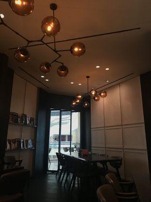 Foto 9 - Interior di Eric Kayser Artisan Boulanger oleh FebTasty  (Feb & Mora)