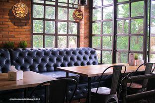 Foto 4 - Interior di Seven Grams Coffee & Eatery oleh Kuliner Addict Bandung