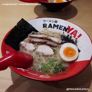 Foto 3 - Makanan(Legendary chicken ramen) di RamenYA oleh Pria Lemak Jenuh
