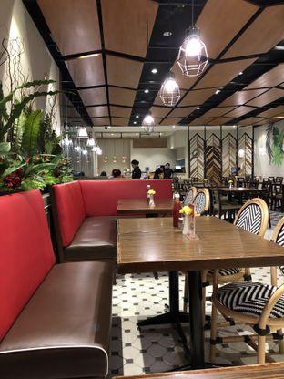 Foto 3 - Interior di Glosis oleh @Sibungbung