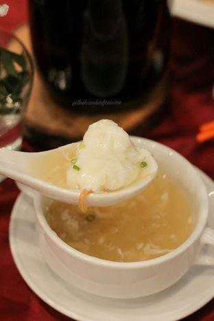 Foto 4 - Makanan di Meradelima Restaurant oleh thehandsofcuisine