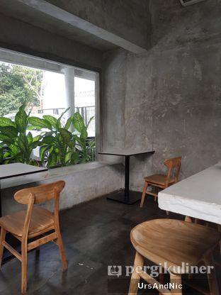 Foto 7 - Interior di Kinari Coffee Shop oleh UrsAndNic