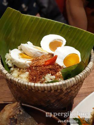 Foto 3 - Makanan( Nasi Bakul Telur Asin Krakatau) di Remboelan oleh JC Wen