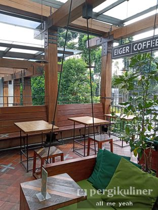Foto 7 - Interior di Eiger Coffee oleh Gregorius Bayu Aji Wibisono