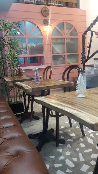 Foto 2 - Interior di Wake Cup Coffee & Eatery - Grand Sovia Hotel Bandung oleh Nadia Indo