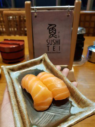 Foto 1 - Makanan di Sushi Tei oleh Amrinayu