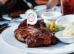 8 Steak Enak di Surabaya yang Rasanya Nendang Banget