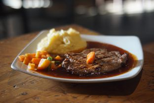 Foto 2 - Makanan(Tenderloin Steak) di Karnivor oleh Fadhlur Rohman