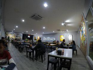 Foto 7 - Interior di Waroeng Steak & Shake oleh Pria Lemak Jenuh