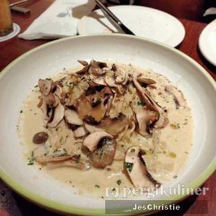 Foto 8 - Makanan(Fettuccine Japanese Mushroom Cream Sauce) di AW Kitchen oleh JC Wen