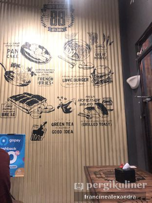 Foto 1 - Interior di Roti Bakar 88 oleh Francine Alexandra