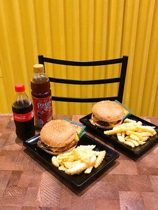 Foto 15 - Makanan di FIX Burger oleh yudistira ishak abrar