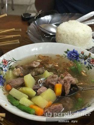 Foto 2 - Makanan(sop sapi) di Warung Sate Sidareja Pak Gino oleh Nimas Ayu