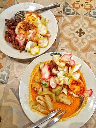 Foto 3 - Makanan di Kedai Roti Kobi oleh duocicip