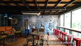 Foto 4 - Interior di Kopi Boutique oleh Jakartarandomeats