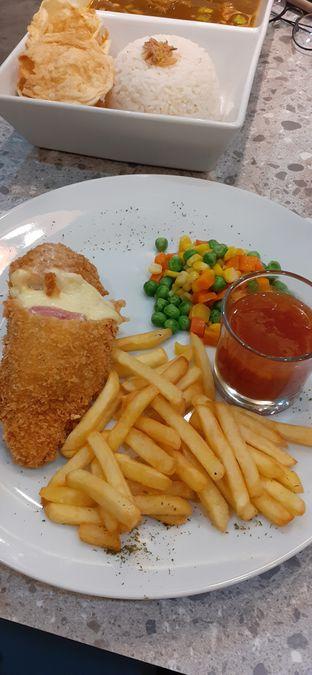 Foto - Makanan(Chicken Cordon Bleu) di Seca Semi Cafe oleh Anita Yuniar 06