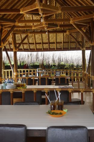 Foto 12 - Interior di Gubug Makan Mang Engking oleh yudistira ishak abrar