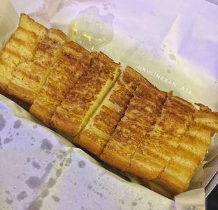 Foto 1 - Makanan di Bolu Bakar Tunggal oleh @kulineran_aja
